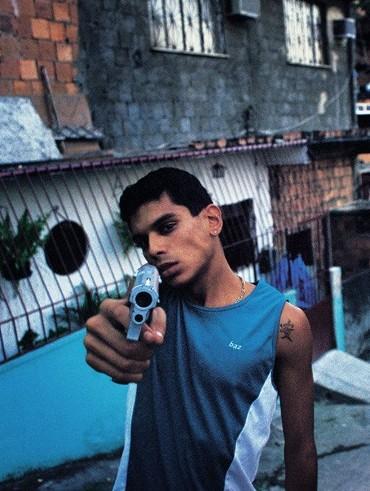 Teen_with_gun